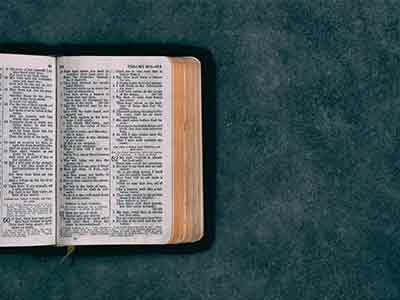Etudier Un Texte Sacre